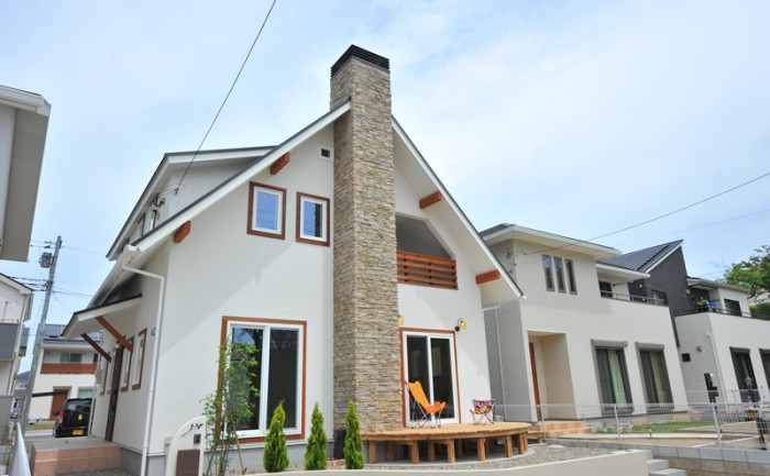 煙突をデザインする家